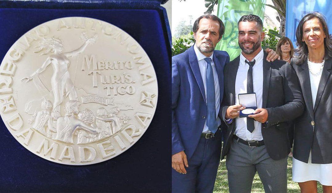 Mex erhält die Silbermedaille des Tourist Merit