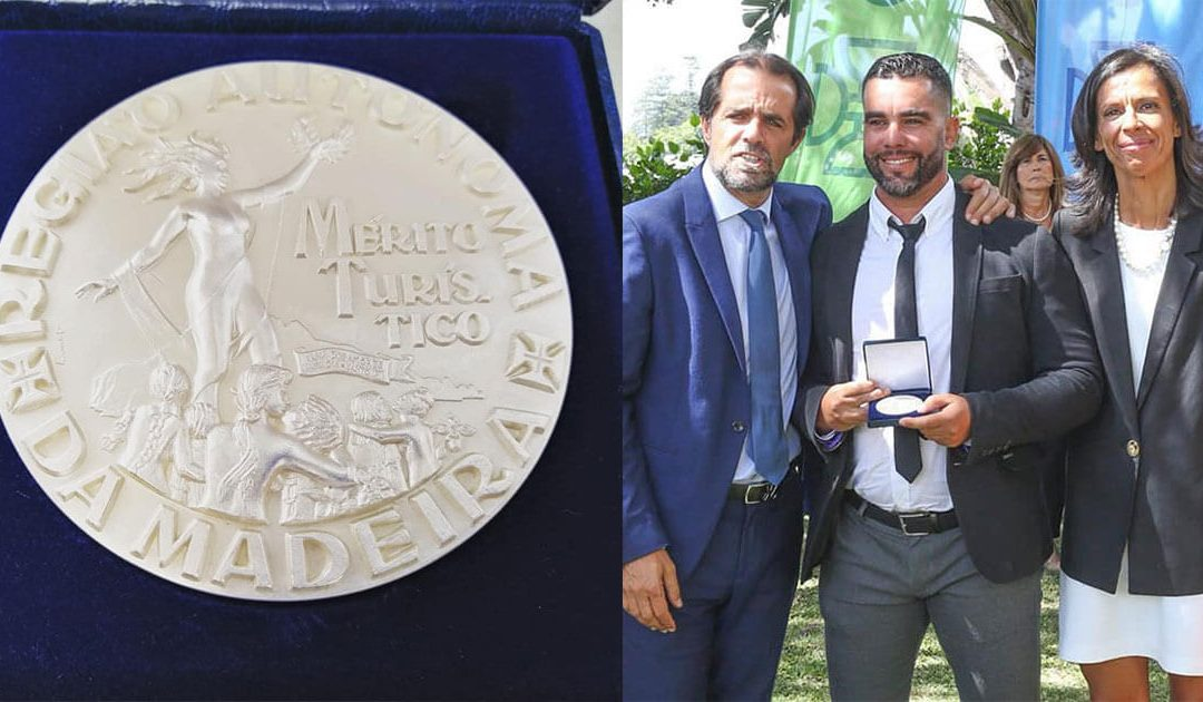 Mex recebe medalha de prata de mérito Turístico